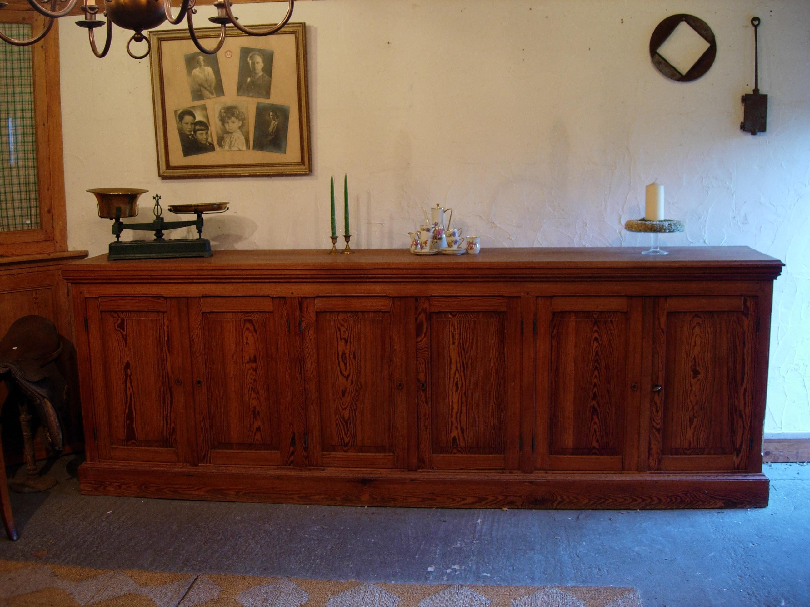 Welkom op de website van 39 t leiezolderke te deinze - Oude meubilair dressoir ...